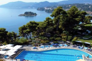 FROM £ 1,250/pp